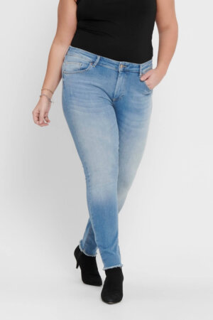 Carwilly ankel jeans fra Only Carmakoma